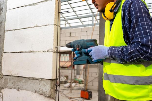 Bar Tools & Accessories Handyman Construction Worker Metal Wine ...
