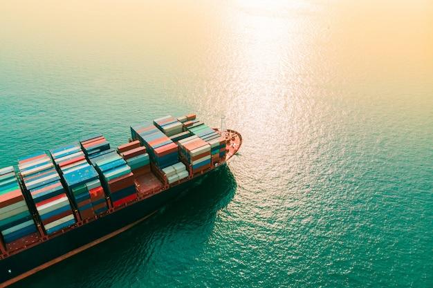 Container cargo ship Premium Photo