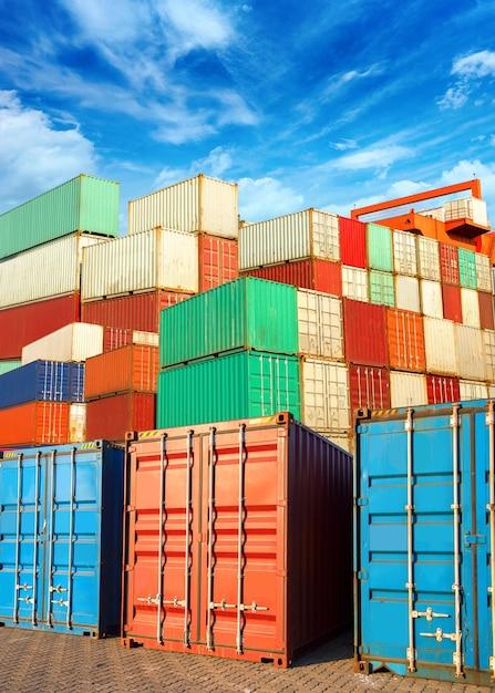 Container Premium Photo