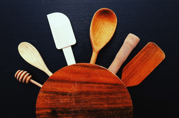 Cooking equipment on kitchen counter Free Photo