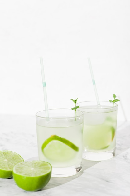 Cool lime cocktails in glasses Free Photo