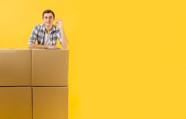 Copy-space доставка мужской рабочий Бесплатные Фотографии