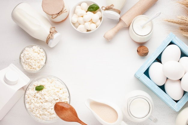 Copy space with delicious dairy products Free Photo