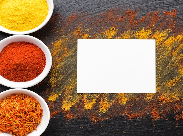 Copy-space with spices powder Free Photo