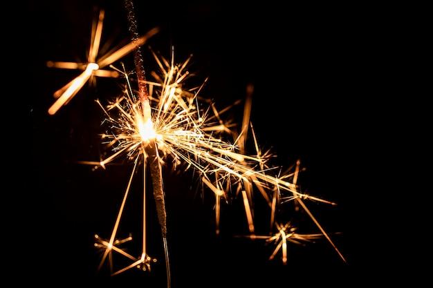 Copy-space новогодняя вечеринка с фейерверком Бесплатные Фотографии