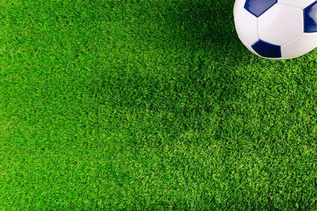 Футбольная композиция с copyspace и мячом Бесплатные Фотографии