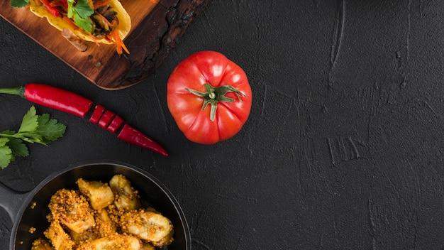 Copyspaceとメキシコ料理のフラットレイアウト構成 無料写真