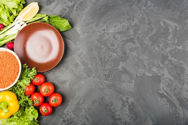 Copyspaceと野菜のフラットレイアウト組成 無料写真