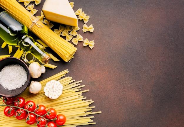 フラットレイアウトのイタリア料理とcopyspace 無料写真