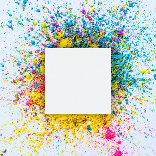 ホーリーカラーフレーム。 copyspaceと祭りホーリーの背景。 無料写真