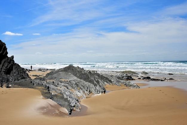 Cordoama beach, vila do bispo, algarve, portugal Premium Photo