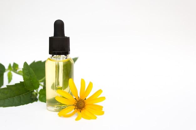 Cosmetic organic essential oil. Premium Photo
