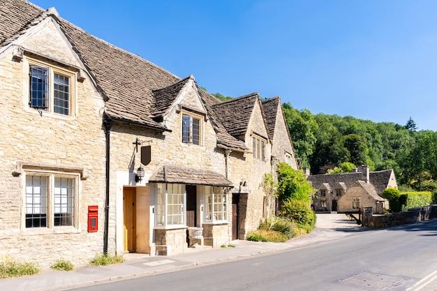 Cotswolds villages england uk Premium Photo