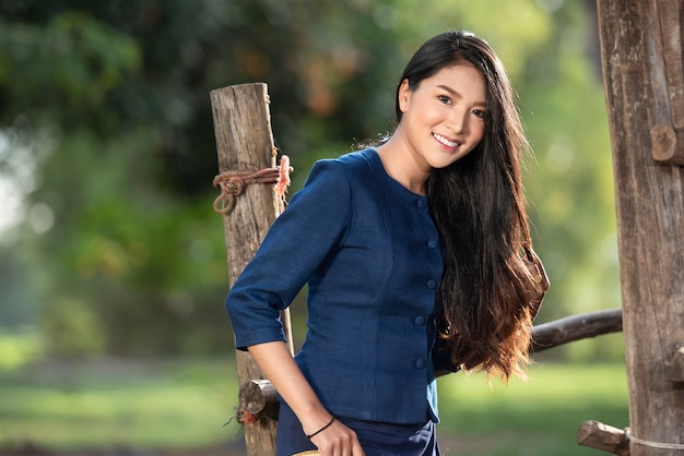 Country girl portrait in outdoors Premium Photo