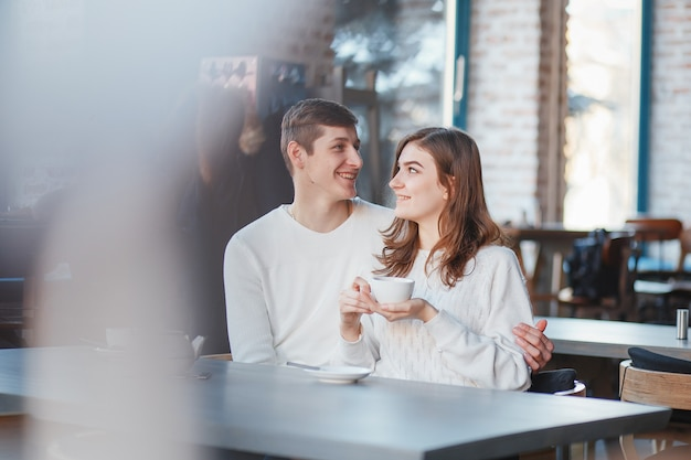 Couple in a cafe Free Photo