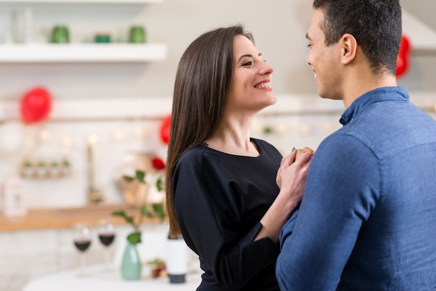 Couple celebrating valentine's day with copy space Free Photo
