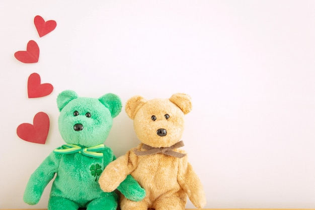 Couple cute teddy bear with red heart balloons, happy valentine's day. Premium Photo