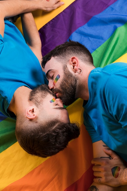 Couple of gays kissing tenderly Free Photo