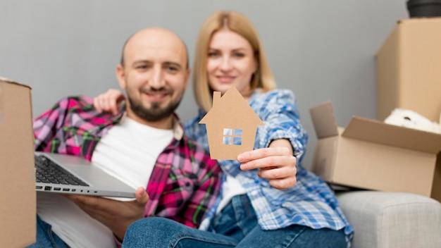 Пара переезжает в новый дом Бесплатные Фотографии