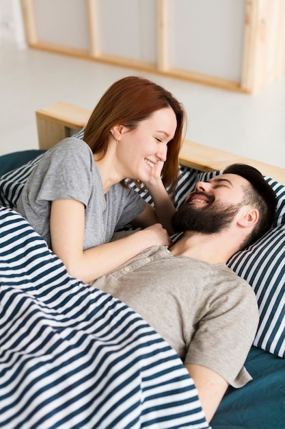 Couple smiling at each other Free Photo