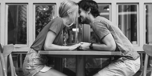 Couple sweet date coffee shop Premium Photo