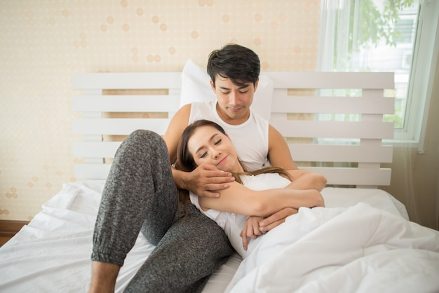 Couple talking about something last night in the morning Free Photo