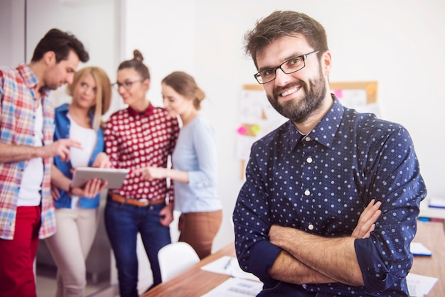 Collaboratori che lavorano in team. concetto di manager Foto Gratuite