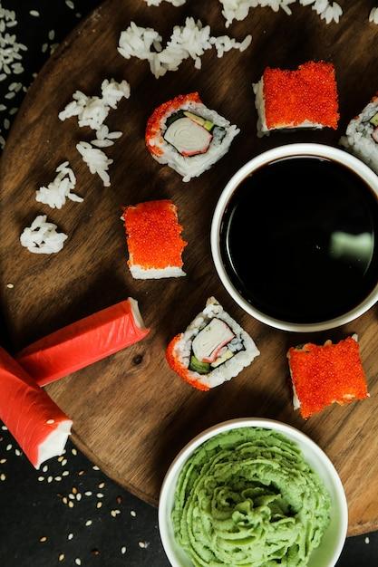 Крабовые маки с рисом и соевым соусом Бесплатные Фотографии