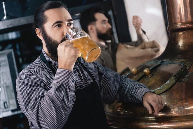 Craft ale degustation beer manufacturing brewery. Premium Photo