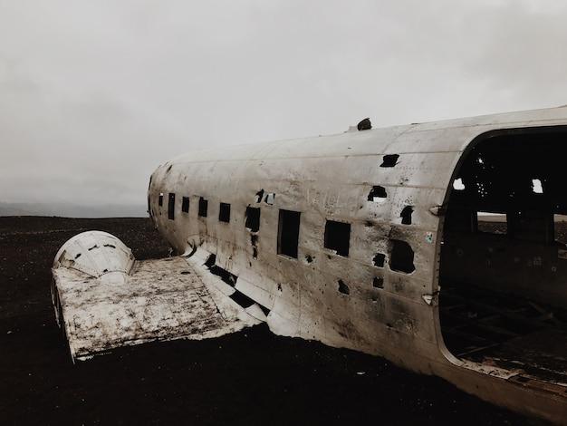 Разбился самолет dc-130 Premium Фотографии