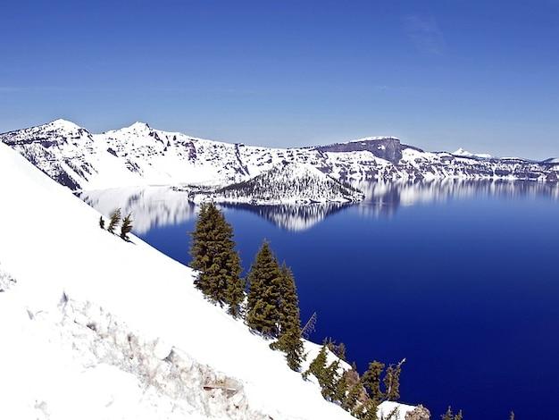 crater oregon winter usa lake landscape deep photo free. Black Bedroom Furniture Sets. Home Design Ideas