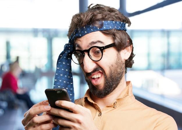 Pazzo con espressione phone.funny cellulare Foto Gratuite