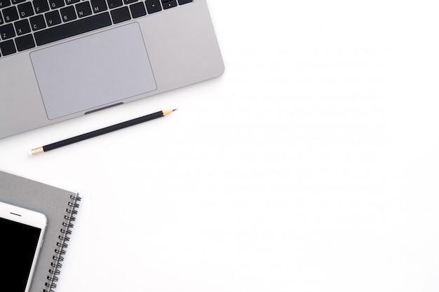 작업 공간 책상의 창조적 인 평평한 평신도 사진 무료 사진