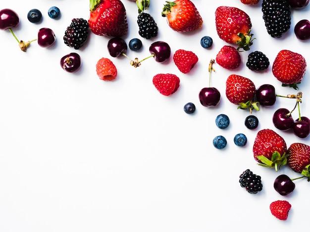 果実の創造的なレイアウト Premium写真