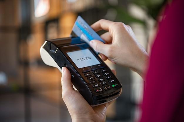 Credit card payment Premium Photo