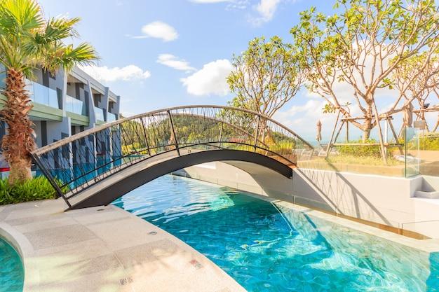 Пейзаж бассейна в crest resort and pool villas and resorts Premium Фотографии
