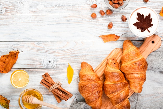 Croissants breakfast with copy space Free Photo