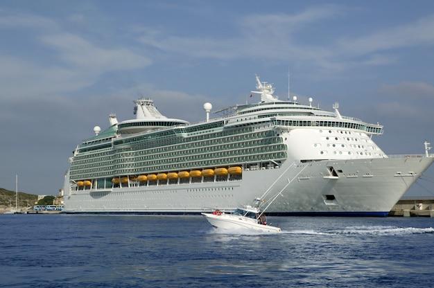 Cruise in ibiza island, mediterranean sunrise Premium Photo