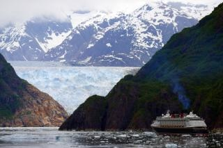 Cruise ship in tracy arm Free Photo