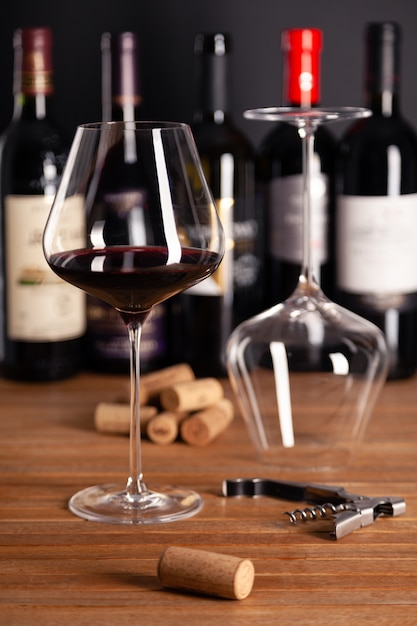 Bottle Stoppers Wine Glass Red Goblet Wine Transparent Glass Directly Be Drunk from The Wine Glass with Cork for Bar Party