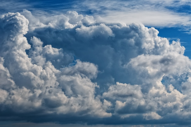 Cumulus clouds, a large cluster of clouds Premium Photo