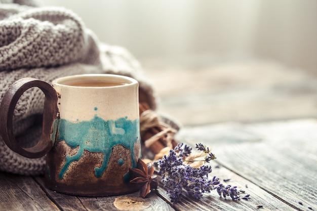 Чашка чая со свитером Бесплатные Фотографии