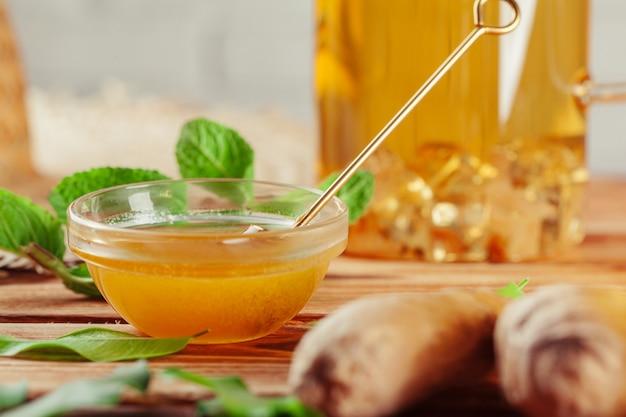 Cup of tea with lemon and honey Premium Photo