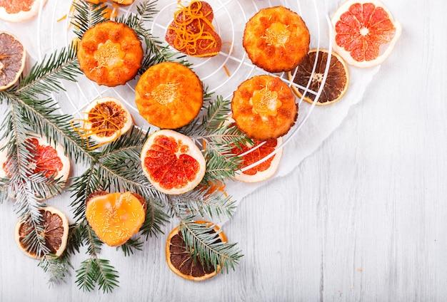Cupcakes muffins orange baking Premium Photo