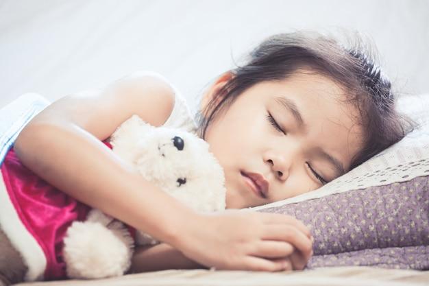 Спящие Азиатки