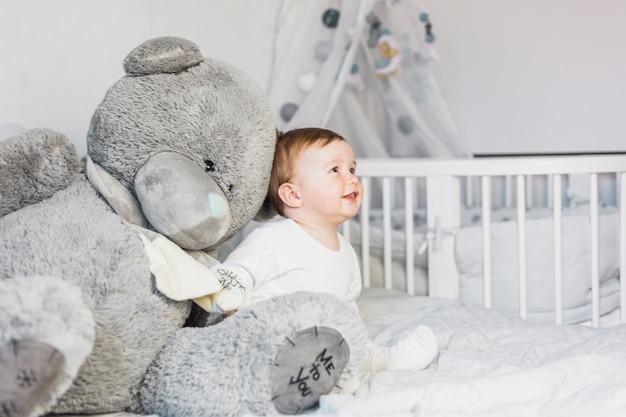 Mengenal Lebih Dekat, Perkembangan Bayi 8 Bulan