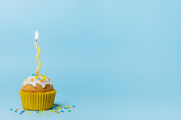 Cute cupcake with copy space Free Photo