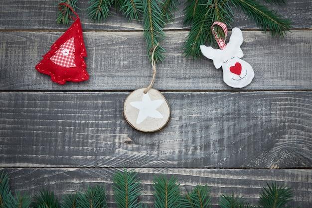 Симпатичное украшение из фетра на дереве Бесплатные Фотографии