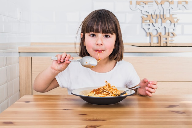 Cara Ampuh Mengatasi Anak Yang Susah Makan