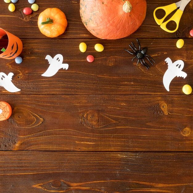 Cute halloween concept with copy space Free Photo